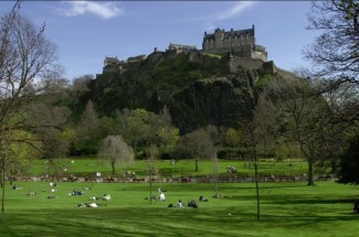 Edinburgh Castle & Afternoon Tea Vintage Bus Tour