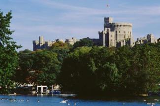 Visit to Windsor Castle with Afternoon Tea Cruise for Two