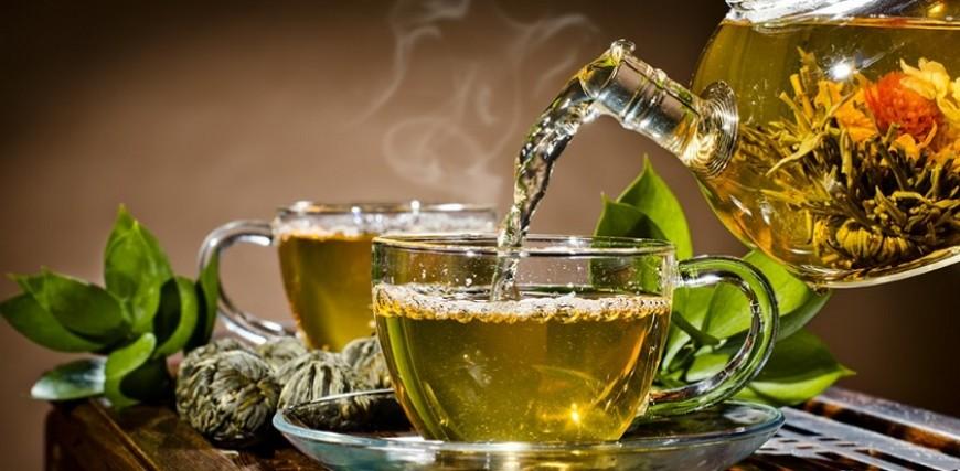 Top 10 Benefits of Drinking Green Tea