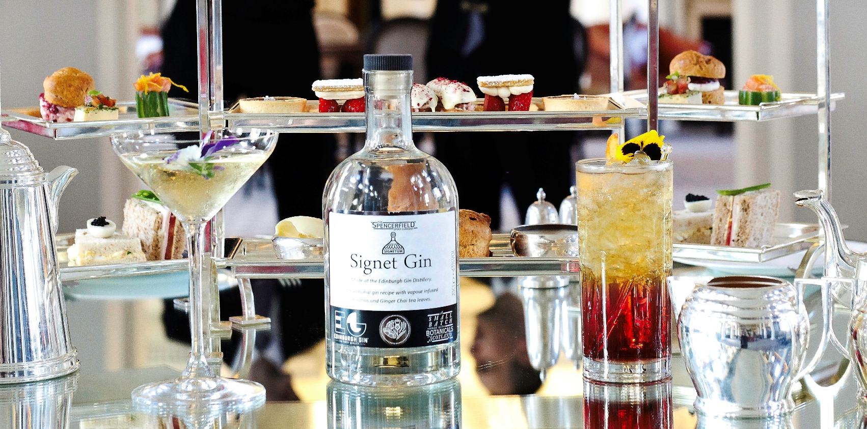 The Signet Gin, afternoon tea in Edinburgh at the Colonnades, Signet Library