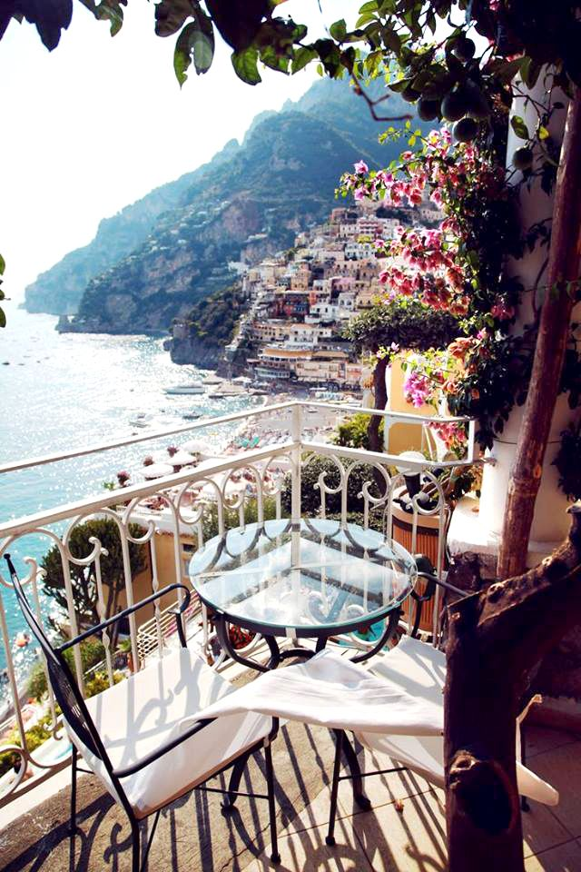 A pretty terrace in Positano overlooking the Bay of Naples