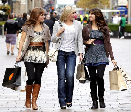 Things to do in Glasgow - shopping in Buchanan Street.