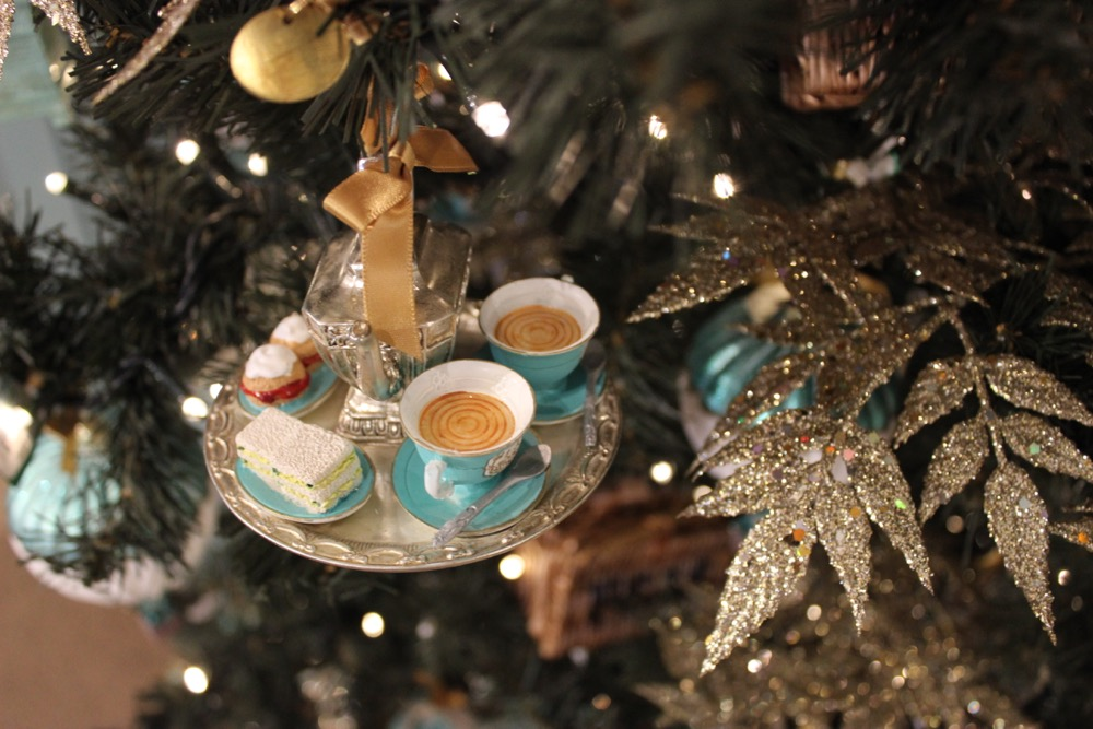 Christmas at Fortnum and Mason, Christmas tree afternoon tea decoration