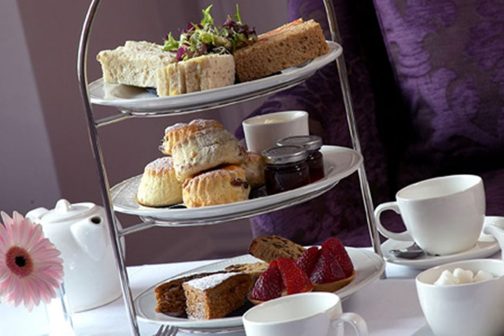 The Castle Hotel, Windsor, afternoon tea