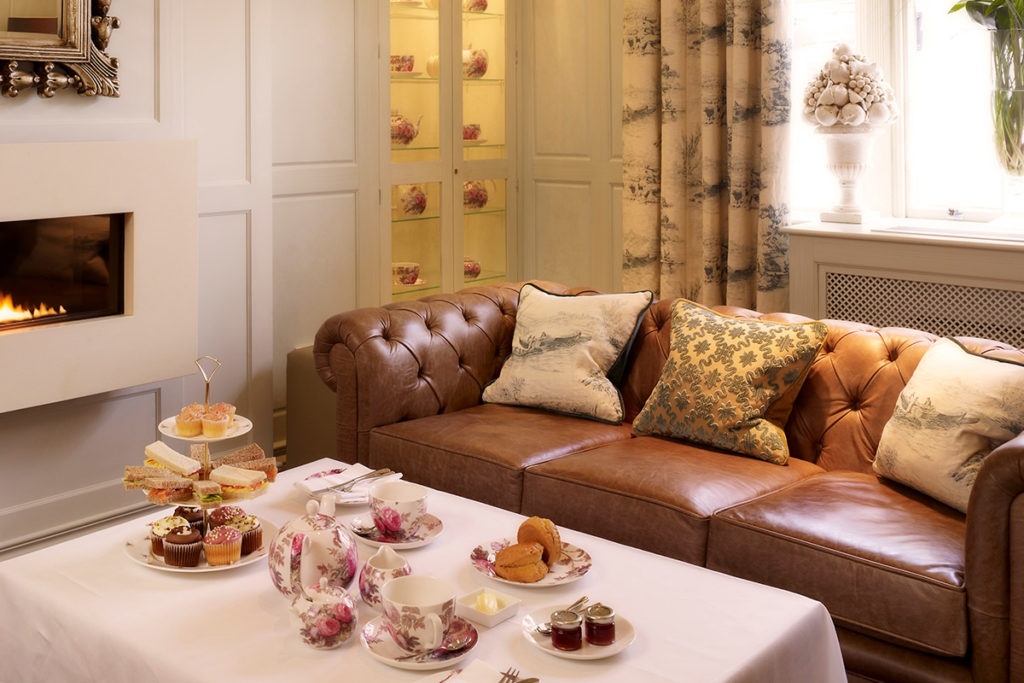 Enjoy a traditional afternoon tea in Stratford Upon Avon at the Arden Hotel.
