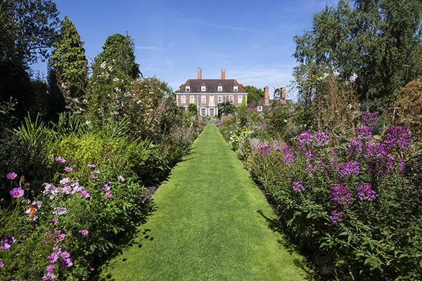 The beautiful gardens at The Salutation Kent.