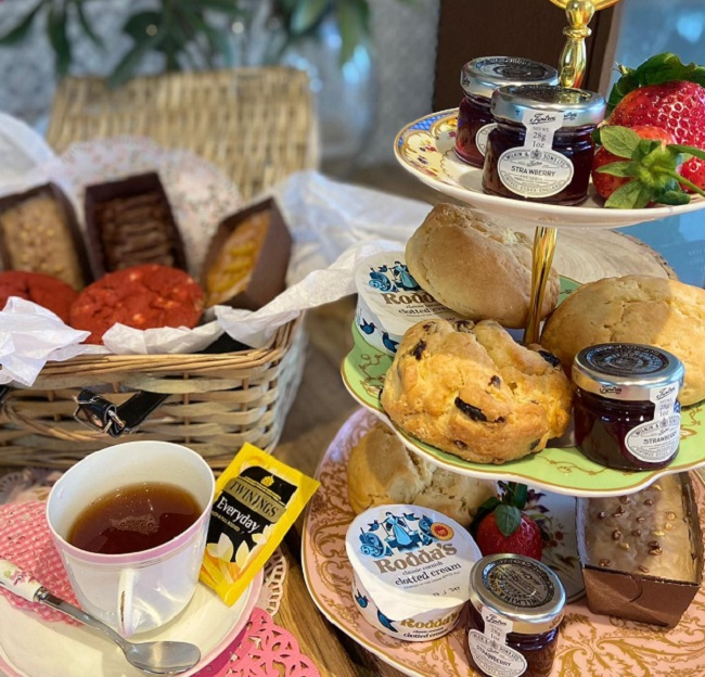 Gluten free afternoon tea delivery across the UK